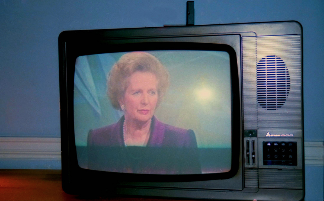 Margaret Thatcher on TV, Grafton Way, London, U.K., 1990. FOTO: R Barraez D´Lucca (Creative Commons)