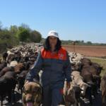 La mano que cuida, mujeres en el medio rural