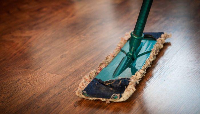 La invisibilidad del trabajo del hogar y cuidados en los medios escritos