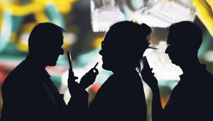 Precariedad, autoexposición y ansiedad: cuando las redes también te explotan